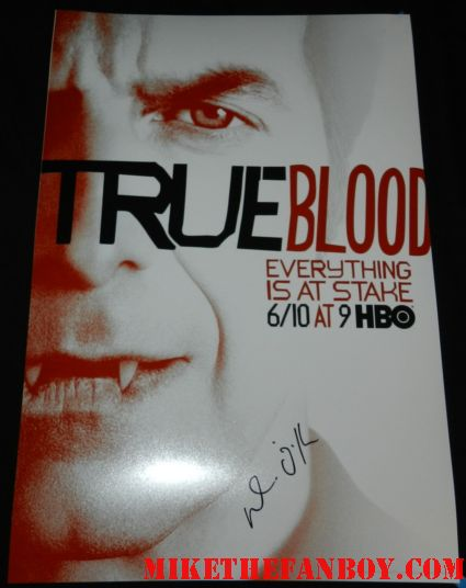 Dennis O'Hare signed autograph true blood season 5 promo mini poster signing autographs for fans at the true blood season 5 world movie premiere rare promo
