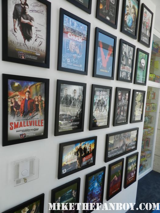 signed autograph cast mini posters from san diego comic con vampire diaries smallville supernatural V the middle