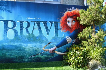 "World Premiere Of Disney Pixar's ""Brave"" - Red Carpet kelly macdonald craig ferguson kevin mcKidd rare promo hot signing autographs"