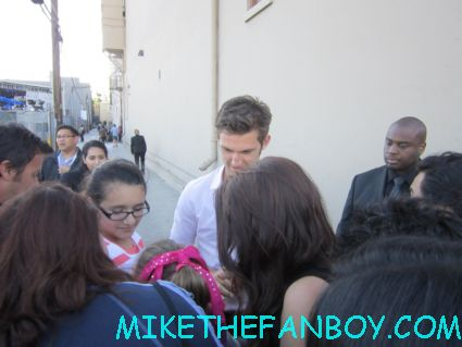 alex pettyfer signing autographs for fans at jimmy kimmel live sexy hot rare magic mike star sexy