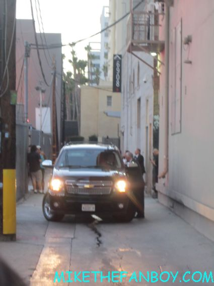 katy perry's car pulled up and waiting at jimmy kimmel live for katy perry to sign autographs for fans