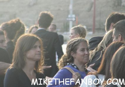 gillian jacobs arriving and signing autographs for fans at the seeking a friend for the end of the world movie premiere