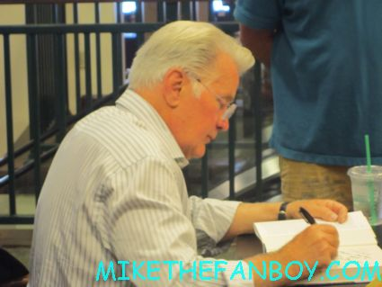 Martin sheen signing autographs for fans Martin Sheen beginning his book signing for Along the way: A journey of father and son in thousand oaks CA autograph