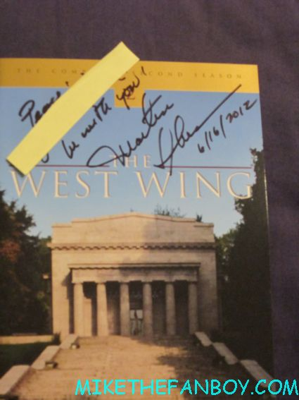 Martin Sheen signing autographs for fans signed autograph west wing rare dvd insert promo hot sexy rare