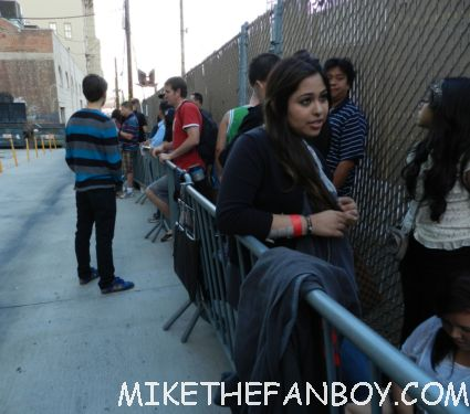 The crowd waiting for Edward Norton and Leighton Meester after a talk show taping to sign autographs