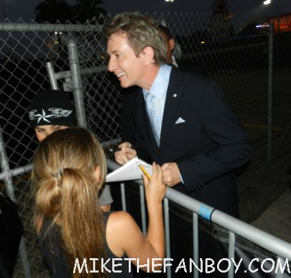 martin short signing autographs for fans after the jimmy kimmel show in hollywood three amigos three fugitives