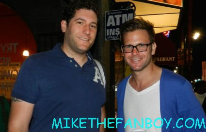Mike the fanboy with Legally Blonde star Matthew Davis at the young playwrights festival in hollywood
