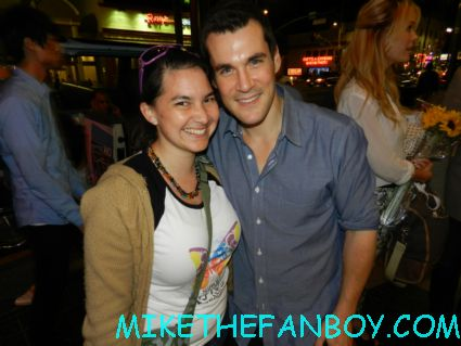 mike the fanboy guest star liz with serenity and firefly star sean maher on the streets of hollywood hot sexy rare promo young playwrights festival