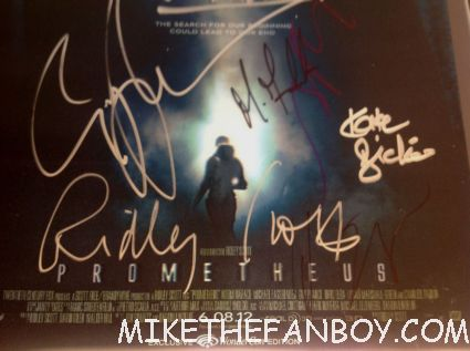 prometheus signed autograph wondercon limited edition lenticular promo mini movie poster hot sexy rare ridley scott michael fassbender noomi rapace