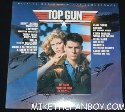tom cruise signed autograph top gun soundtrack lp promo mini poster hot sexy tom cruise signing autographs for fans looking hot and sexy at the rock of ages world movie premiere