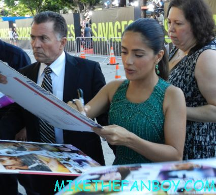 Salma Hayek signing autographs at the savages world movie premiere in westwood hot sexy from dusk till dawn actress