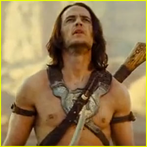 Taylor Kitsch shirtless naked abs photo from John Carter from mars hot sexy friday night lights star ripped sex rare muscle abs bicep flex rare