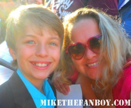 jacob hopkins posing for a fan photo at the true blood season 5 premiere in hollywood hot sexy rare