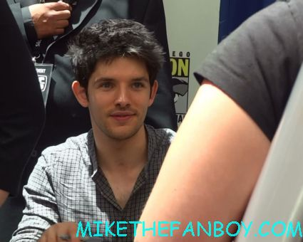 Colin Morgan looking sexy and hot signing autographs for fans at san diego comic con 2012 sdcc rare promo merlin cast signing