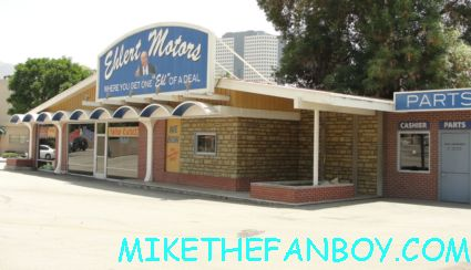 the car dealership from the middle filming locations on the warner bros ranch columbia ranch rare patricia heaton house