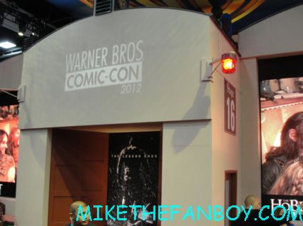 the warner bros booth at san diego comic con 2012 expendables 2 rare promo comic con 2012 rare the lines and the crowds of chaos cosplayers rare