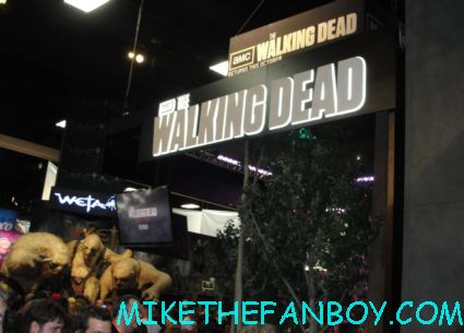 the walking dead booth at san diego comic con 2012 rare zombies promo rare hot
