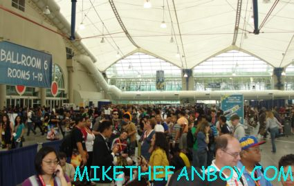 mike the fanboy's bill beer in line for the elementary autograph signing at san diego comic con 2012 sdcc