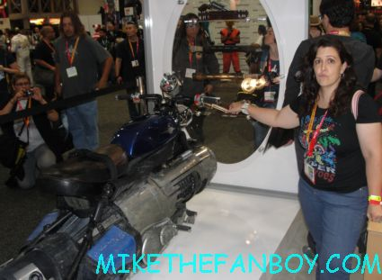 the looper prop care vehicle on display at san diego comic con 2012 sdcc 2012 rare promo hot