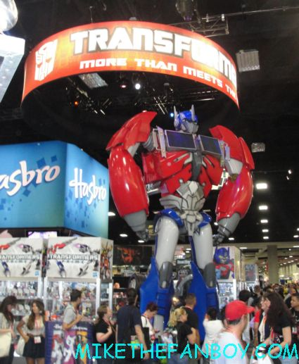 Optimus Prime on display at san diego comic con 2012 sdcc 2012 rare life size transformers booth