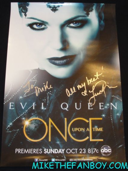 lana parrilla signed autograph the evil queen once upon a time promo individual promo mini movie poster abc rare mike the fanboy posing with once upon a time star lana parrilla at san diego comic con the evil queen fan photo signed autograph