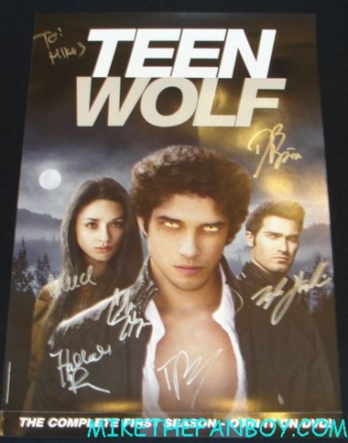teen wolf cast signed autograph poster mini rare hot sexy the hot and sexy cast of teen wolf signing autographs at the fox booth during san diego comic con 2012 sdcc rare promo hot chest tyler posey