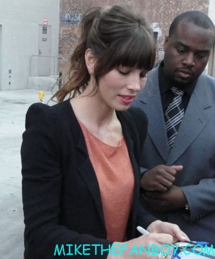 sexy jessica biel signing autographs for fans after a talk show taping to promote total recall hot sexy photo shoot rare rules of attraction