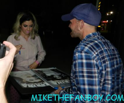 marina and the diamonds signing autographs for fans Marina Lambrini Diamandis welsh singer songwriter signing a rare promo poster autograph