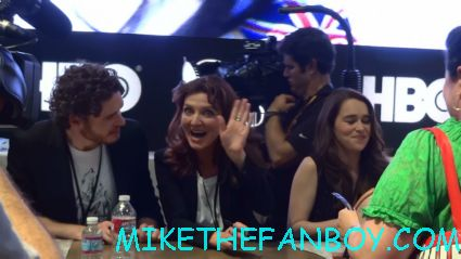 Michelle Fairley signing autographs at the warner bros booth game of thrones autograph signing hot sexy rare promo sdcc 2012