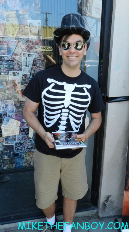 scott douglas moore waiting for elvira to sign his dvd at the golden apple comics in los angeles