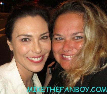 michelle forbes posing for a fan photo at the true blood season 5 wrap party hot sexy cougar town star