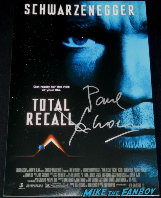 Paul Verhoeven  signed autograph total recall rare promo movie poster hot sexy rare paul verhoven signing autographs for fans 013