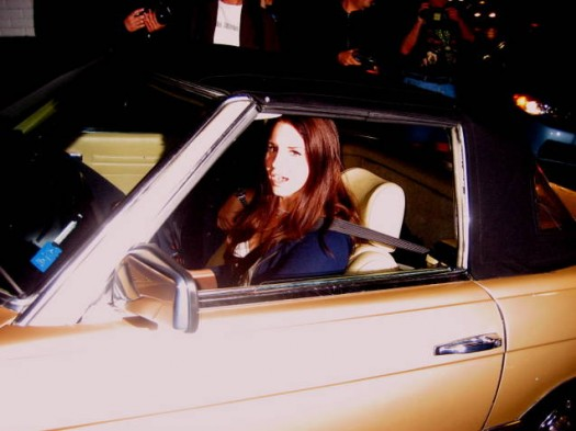 lana del rey arriving at the chateau marmount in her classic mercedes looking sexy and hot rare signed autograph