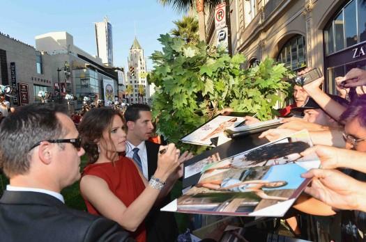 "hot jennifer garner signing autographs sexy jennifer garner and hot joel edgerton at the Premiere Of Walt Disney Pictures' ""The Odd Life Of Timothy Green"" - Red Carpet"