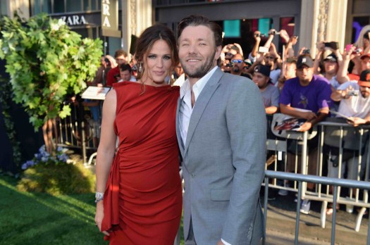 """sexy jennifer garner and hot joel edgerton at the Premiere Of Walt Disney Pictures' """"The Odd Life Of Timothy Green"""" - Red Carpet"""