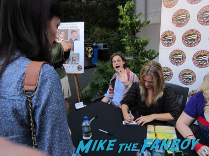 the cast of criminal minds in laguna beach signing autographs for fans were Joe Mantegna, Matthew Gray Gubler, Kirsten Vangsness, A.J. Cook and a big surprise Thomas Gibson