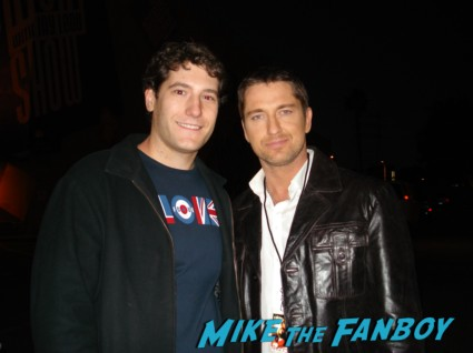 mike the fanboy with sexy gerard butler rare 300 star sexy promo photo the ugly truth signed autograph rare