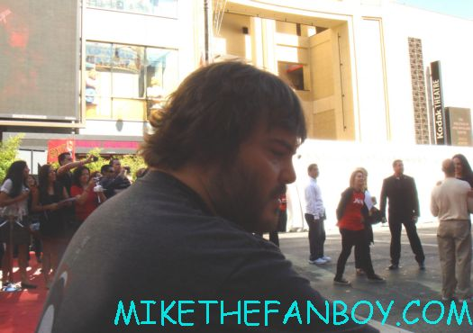 jack black signing autographs for fans movie premiere for the dvd release of kung foo panda on dvd with angelina jolie dustin hoffman jack black autographs and more