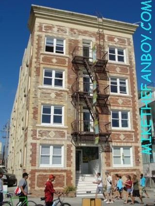 Venice ca and romy and michele's apartment building from Romy and Michele's High School reunion