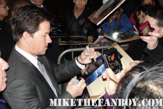 mark wahlberg signing autographs for fans while promoting ted signed autograph hot sexy rare promo shirtless photo