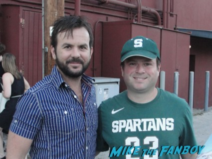 Jason Gann posing with billy from mike the fanboy for a fan photo signed autograph wilfred promo comic con mini poster sdcc san diego comic con wilfred promo sexy hot
