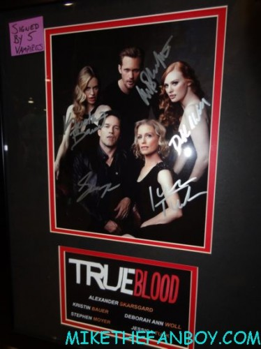 fake true blood autographs on display fake alexander skarsgard autograph smell like an avenger perfume display at wizard world chicago 2012 opening gates sign logo rare promo with norman reedus sheryl lee rare autograph signed hot
