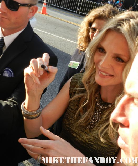 michelle pfeiffer signing autographs for fans at the dark shadows premiere in hollywood rare