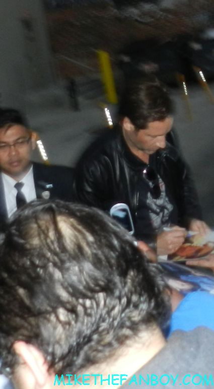 david duchovny signing autographs for fans outside a talk show taping rare promo x files mulder signature