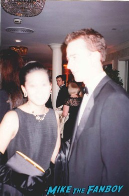 edward norton posing for a fan photo at the emmy awards with marie from mike the fanboy rare promo photo flop