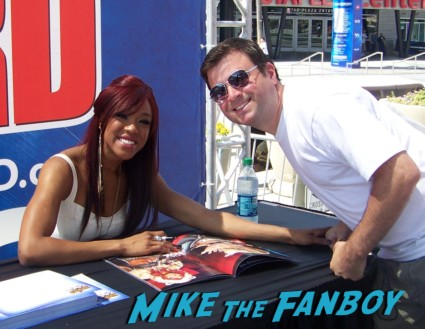 alicia fox looking hot at the wwe Summer Slam Axxess 2012 fan event downtown los angeles signing autographs rare promo