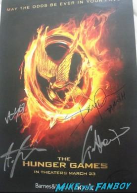 hunger games cast signed autograph movie poster promo jennifer lawrence josh hutcherson rare hot sexy stars