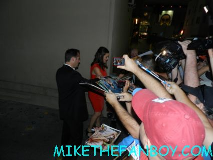 jennifer garner signing autographs for fans while promoting the odd life of timothy green sydney bristow  from alias