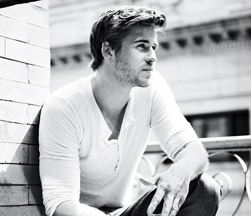 liam-hemsworth-mens-health-new-0912- (2) liam hemsworth covers the september 2012 cover of men's health magazine hot and sexy photo shoot rare workout muscle bicep sexy sex rare promo photo shoot damn fine