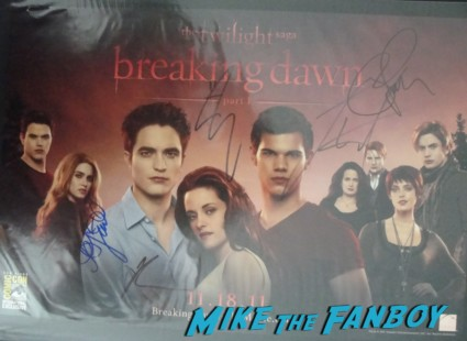 twilight breaking dawn part 2 signed autograph mini movie poster promo taylor lautner rob pattinson hot sexy signed poster kristen stewart
